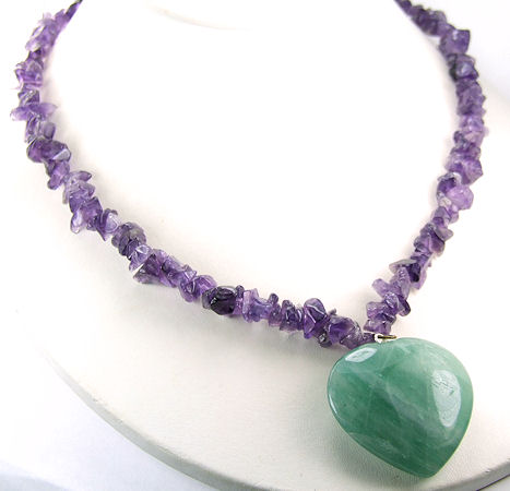 Design 6004: green,purple amethyst chipped necklaces