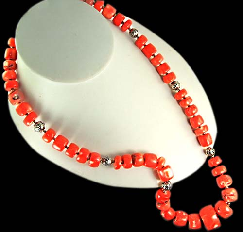 Design 6308: orange coral chunky necklaces