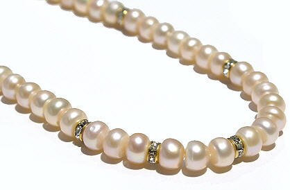 Design 632: pink,white pearl classic necklaces