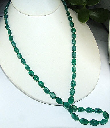 Design 6487: green onyx simple-strand necklaces