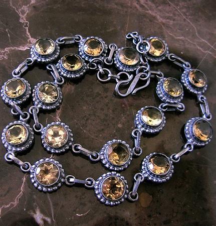 Design 6906: green,yellow lemon quartz necklaces