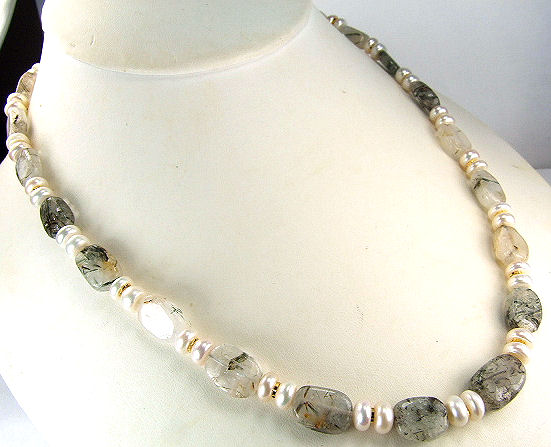 Design 7202: gray,white,yellow pearl chunky necklaces