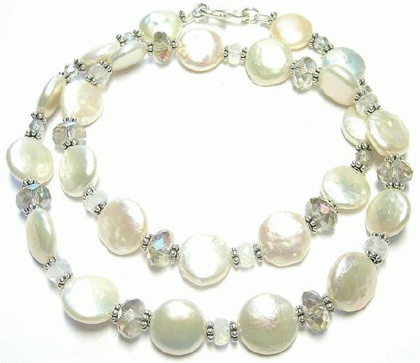 Design 7386: white pearl necklaces