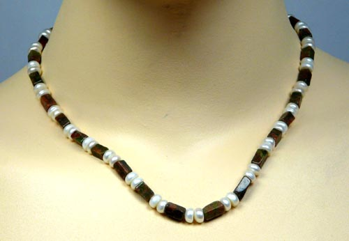 Design 7412: brown,green,white pearl necklaces