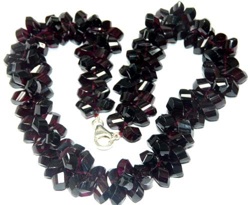 Design 7566: Maroon garnet necklaces