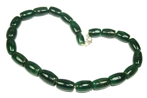 Design 7709: green indian jade necklaces