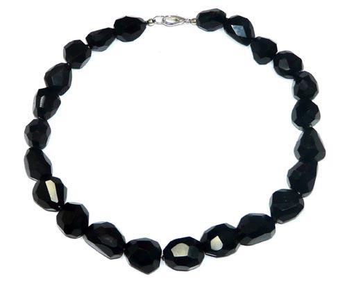 Design 7755: black onyx choker, halloween, tumbled necklaces