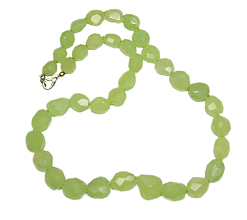 Design 7759: green chalcedony tumbled necklaces