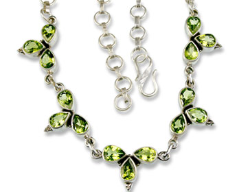 Design 831: green peridot brides-maids necklaces