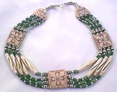 Design 86: Green aventurine choker, flower necklaces