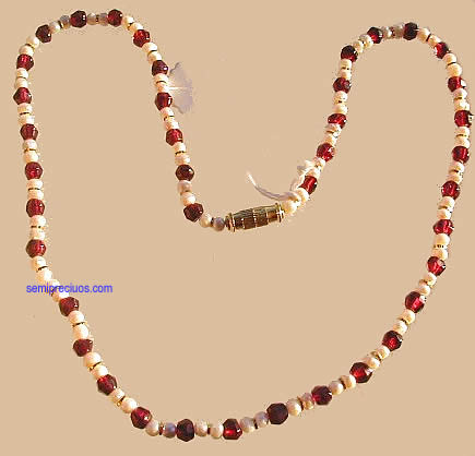 Design 860: red,white pearl necklaces