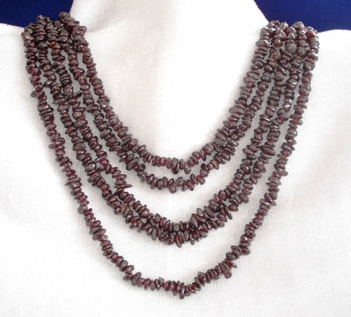 Design 8923: red garnet chipped necklaces