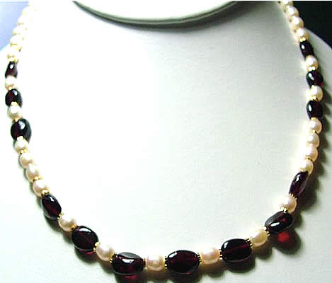 Design 919: red,white pearl necklaces