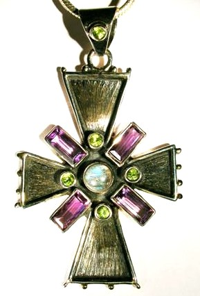 Design 1646: green,purple labradorite christian pendants
