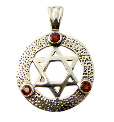 Design 21170: red garnet pendants