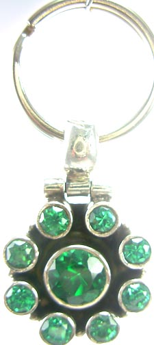 Design 5194: Green cubic zirconia pets pendants