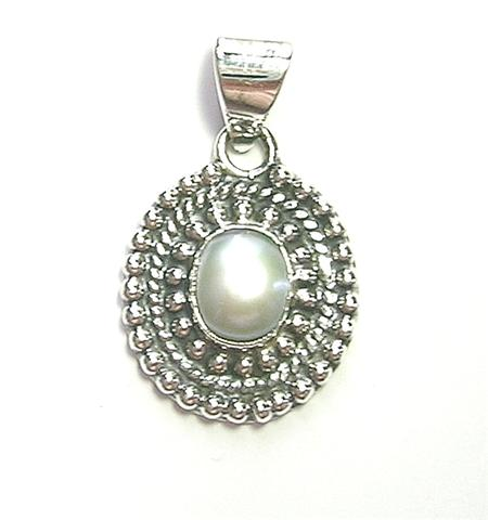 Design 6913: white peridot pendants