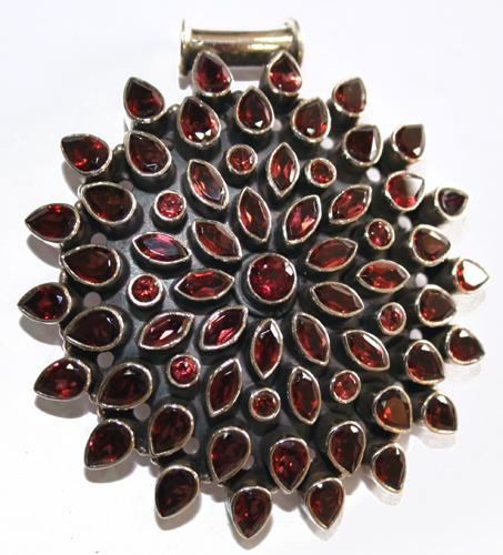 Design 7680: Red garnet pendants
