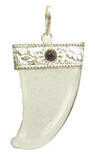 Design 8948: red,white crystal pendants