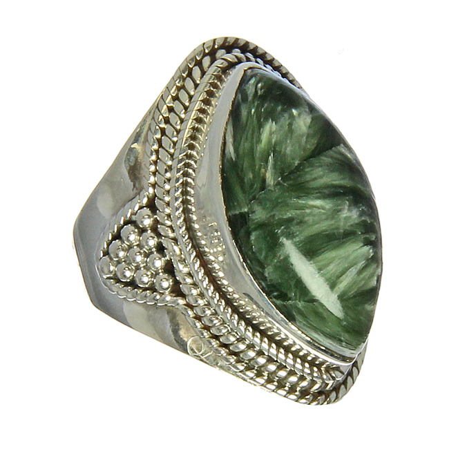 Design 21197: green seraphinite rings