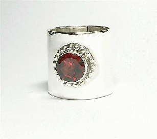Design 3095: red garnet rings