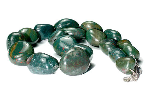 Design 9679: green,red bloodstone tumbled beads