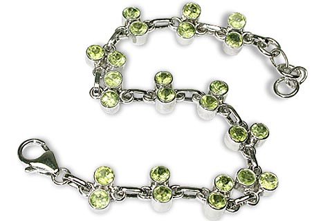 Design 10112: green peridot brides-maids bracelets