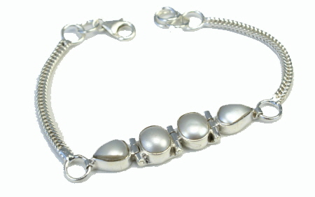 Design 11031: white mother-of-pearl bracelets