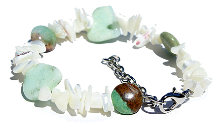 Design 11484: green,white mother-of-pearl chipped, stretch bracelets