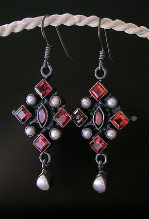 Design 10237: red,white garnet gothic-medieval, hoop earrings