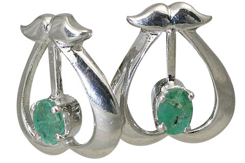 Design 10512: green emerald heart, post earrings