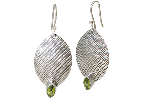 Design 11113: green peridot gothic-medieval earrings