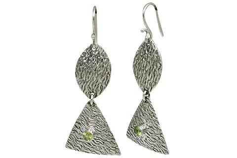 Design 11121: green,white peridot earrings