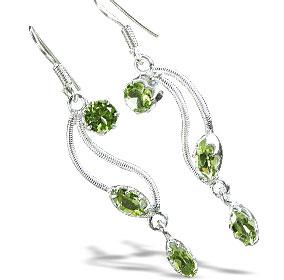 Design 11198: green peridot drop earrings