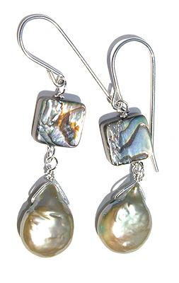 Design 11697: green,white abalone earrings
