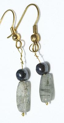 Design 12620: green rotile earrings