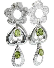Design 12916: green peridot drop earrings