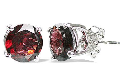 Design 12996: red garnet studs earrings