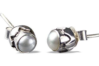 Design 13565: white pearl post earrings