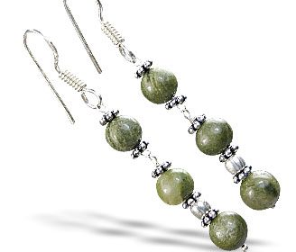 Design 14877: green chrysoprase earrings