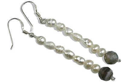 Design 16392: gray,white pearl earrings