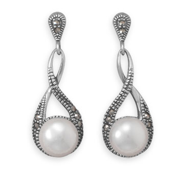Design 21947: white pearl drop earrings