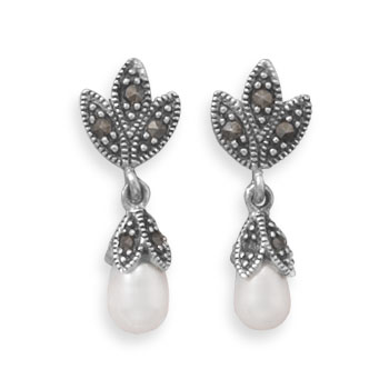 Design 21948: white pearl drop earrings