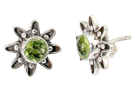 Design 9379: green peridot flower earrings