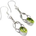 Design 9329: green peridot american-southwest earrings