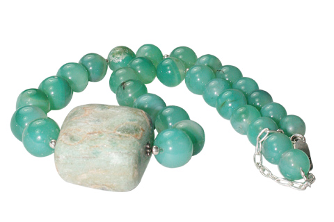 Design 10902: green chalcedony necklaces