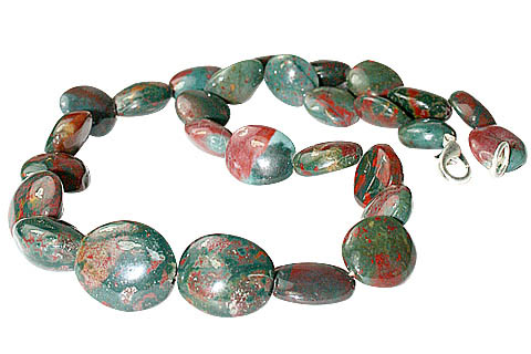Design 11713: green,red bloodstone christmas necklaces