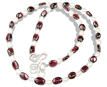Design 12366: red,white pearl necklaces
