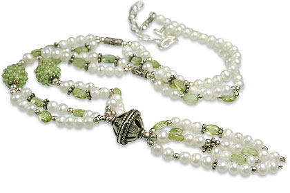 Design 13257: green,white pearl classic necklaces
