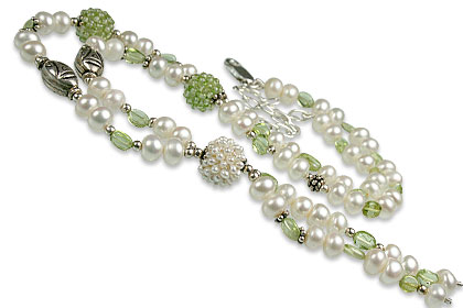 Design 13270: green,white pearl classic necklaces
